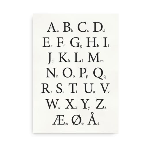 Klassisk alfabetplakat med sorte bogstaver